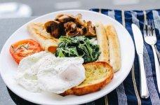 breakfast is served.JPG
